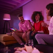 Philips Hue White and Color Ambiance E27 3er Starter Kit + gratis Google Home Mini lifestyle