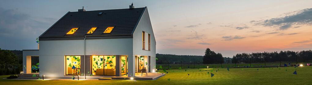 Haus augestattet mit smarter OPUS Beleuchtung und smarter Gartenbeleuchtung