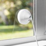 Logitech Circle 2 - kabelgebundene Sicherheitskamera innen/außen- Weiß an Fenster