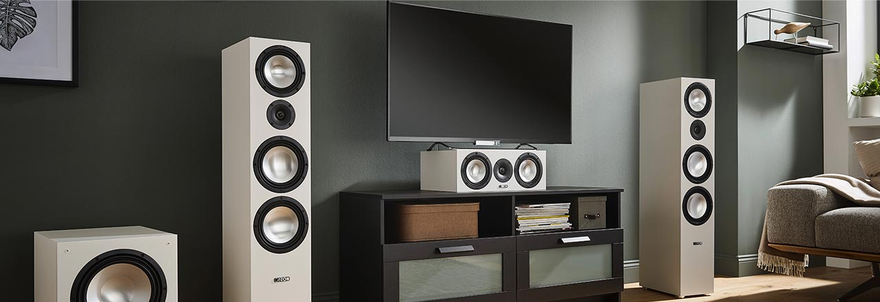 Wohnzimmer mit smarter Canton HiFi Anlage