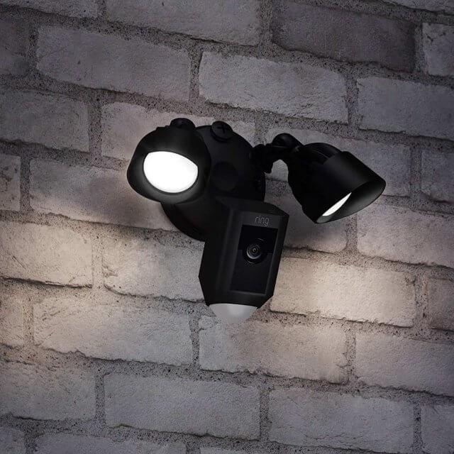 Ring Floodlight Cam - HD-Kamera mit Flutlicht