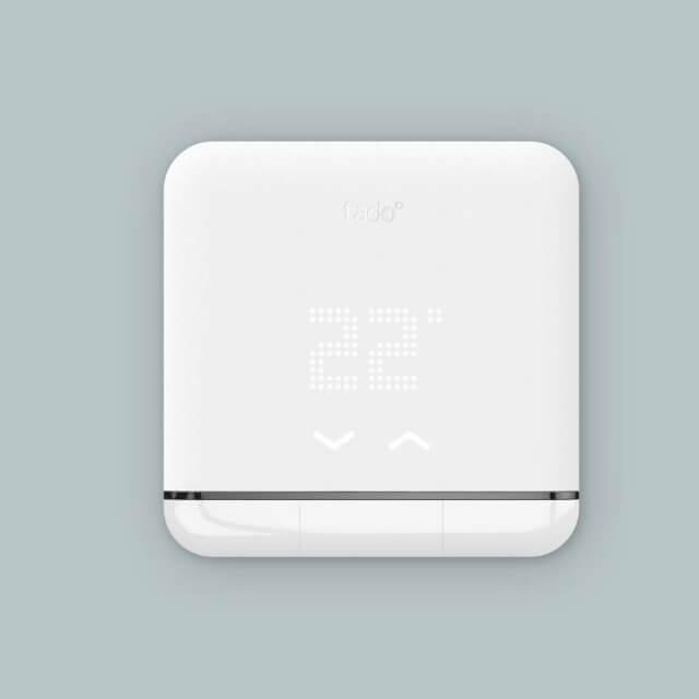tado° Smart AC Control - smarte Klimasteuerung weiß Fronansicht montiert