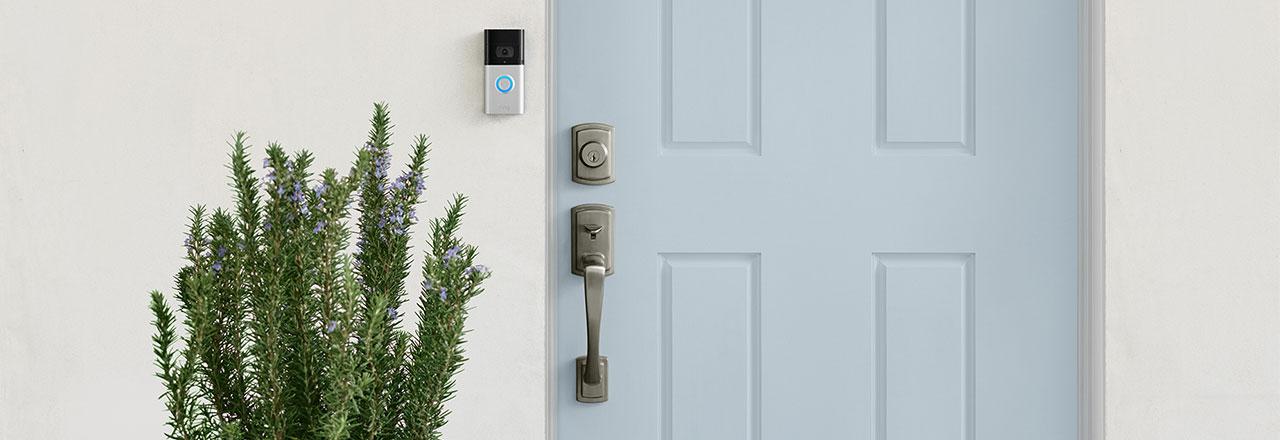 Haustür mit smarter Ring Videotürklingel