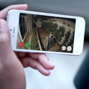 Ring Spotlight Cam Battery Doppelpack - HD-Kamera mit Leuchten und Sirene, kabell
