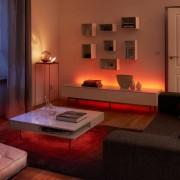 Philips Hue Lightstrip Basis Starter Set Lifestyle