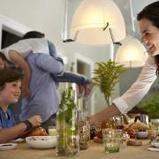 Philips Hue White and Color Ambiance E27 3er Starter Kit + gratis Google Home Mini lifestyle