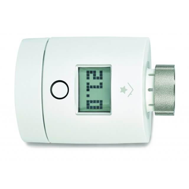 innogy SmartHome Heizkörperthermostat (2. Generation) liegend mit Temperaturanzeige